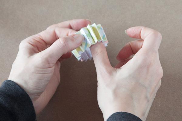 step4-diy-rosette-gift-box