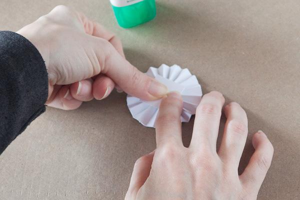 step6-diy-rosette-gift-box