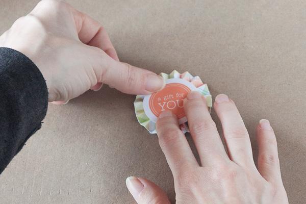 step7-diy-rosette-gift-box