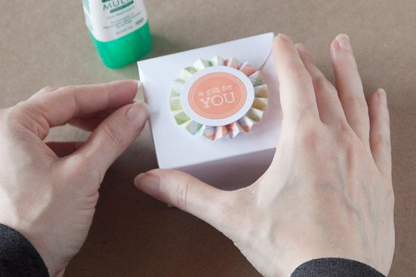 step8-diy-rosette-gift-box