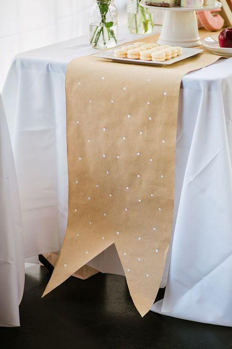 polka-dot-kraft-paper-table-runner