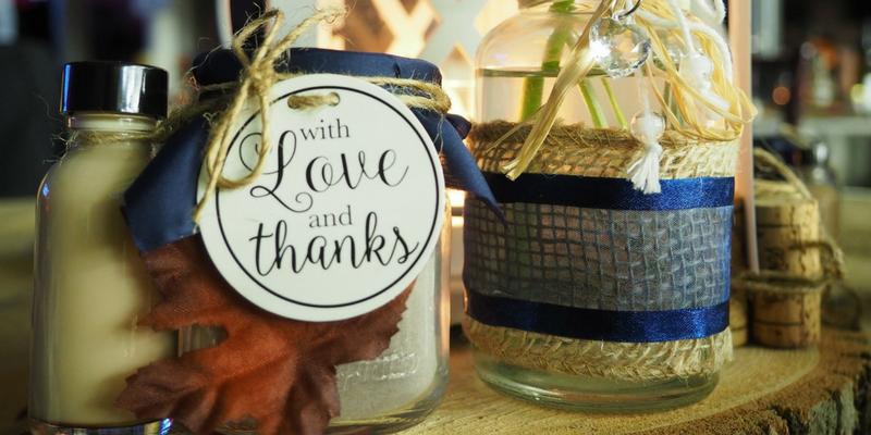 autumn wedding guide themes colors burlap texture navy blue